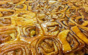 Knaus Berry Farm Bakery sticky cinnamon buns