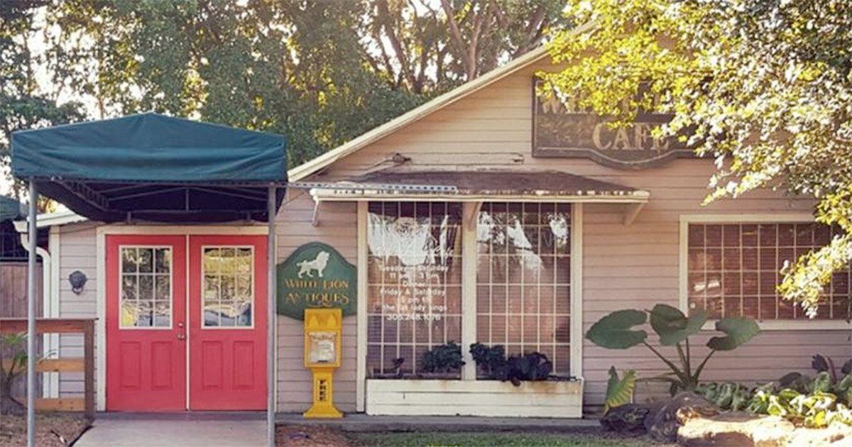 White Lion Cafe